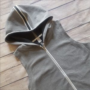 Gap Fit Mesh Studio Sleeveless Zip Workout Hoodie